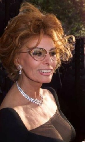 Sophia Loren - glasses and cleavage! An ageless beauty - a photo on ...