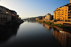 Florence Arno River at sunrise (mbell1975) Tags: italy river florence italian europa europe italia eu tuscany firenze arno toscana toscano florentia