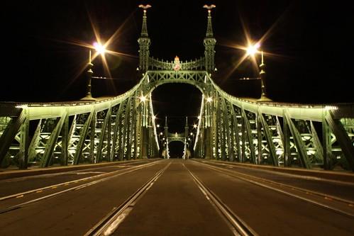 A felújított Szabadság-híd Budapesten
