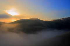 fog and sun at black diamond (Marc Crumpler (Ilikethenight)) Tags: california morning trees usa sun fog clouds sunrise canon landscape hiking trails hills bayarea eastbay antioch blackdiamond ebrpd contracostacounty eastbayregionalparkdistrict tamron1750 40d ebparks amazingshots canon40d ebparksok