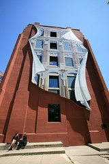 Lunchtime at Berczy Park with the Gooderham (Flatiron) Mural, Toronto (Tony Lea) Tags: park city red summer brown sun toronto ontario canada building art public beautiful canon square lens relax lunch rebel office workers artwork women triangle mural break angle space wide sigma wideangle front tony derek esplanade 1975 lea anthony mm 1020mm 1020 flatiron triangular gooderham besant revisited berczy xti concordians tonylea flickraward thisimagemaynotbeusedinanywaywithoutpriorpermissionallrightsreserved2009 anthonylea mygearandme