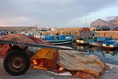 il carretto delle reti (Beppe Modica) Tags: sky italy nature boats italia barche cielo sicily colori luce sicilia sizilien sicilie reti isoladellafemmine lifetravel canoneos450ditalia