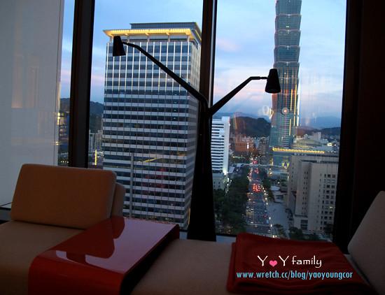 IMG_8149 w-hotel room