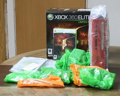 Xbox 360 Elite box content