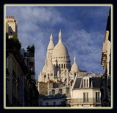14327- Zoom sur la Basilique du Sacr Coeur Montmartre Paris *  C-0962  Basilique Sacr Coeur Montmartre Paris FRANCE *   Chiesa del Sacro Cuore Cattedrale a Parigi, Francia       ,  (Rolye) Tags: pictures blue sky paris france church monument architecture photoshop yahoo google postcard picture samsung www images montmartre sacrecoeur coeur technorati com bloglines msn 1001nights picturesque francia glise aol ops topic sacr parigi basilique       drouot beautysecret taipeiwalker  kartpostal nv7 twtravel flickrestrellas spiritofphotography flickraward  sinogoo hibicolle