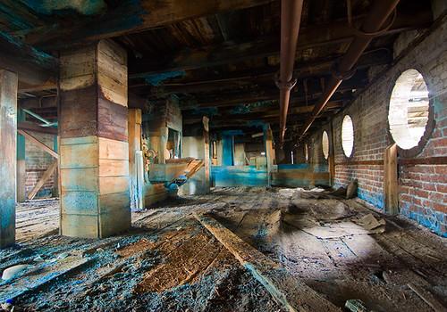Pollution industrielle: la vie en bleu 1