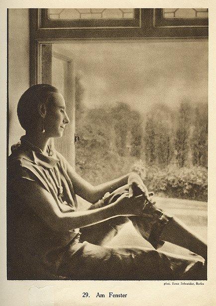 Ernst Schneider, Anna Pavlova, Window