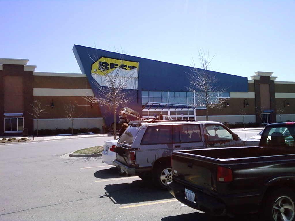 Best Buy - West Des Moines, Iowa - Disconfigured signage
