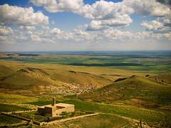 Mesopotamia ... (Nejdet Duzen) Tags: trip travel cloud plant history church turkey trkiye mardin ova mesopotamia bulut kilise turkei sryani seyahat tarih vosplusbellesphotos mezopatamya