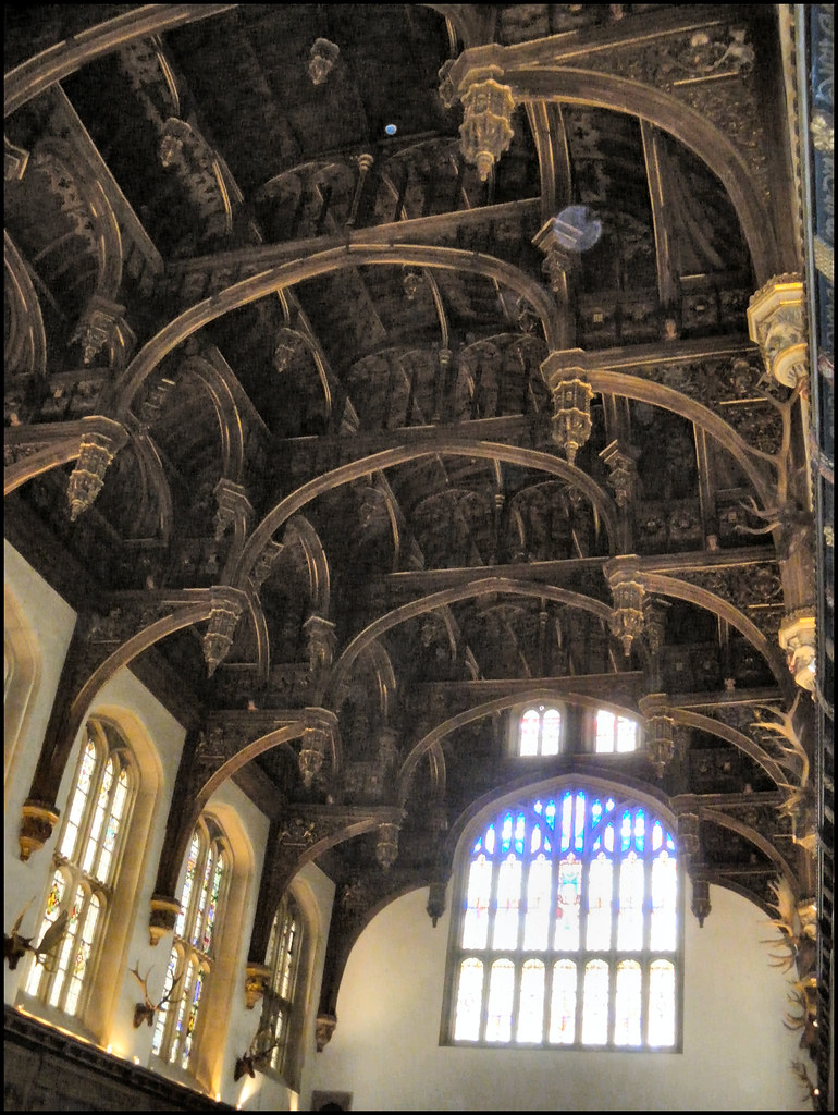 Hampton Court Palace - Tudor Great Hall hammerbeam roof structure