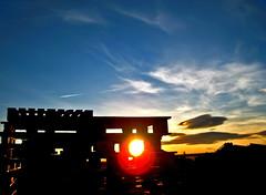 Ocaso (ruhey) Tags: blue españa sol del de los y cementerio cada leon hour nubes flare cielos burgos rayos castilla villalba duero palets últimos claros recoveco recorren