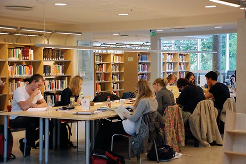 Lesing på HF-biblioteket by Universitetet i Bergen, on Flickr