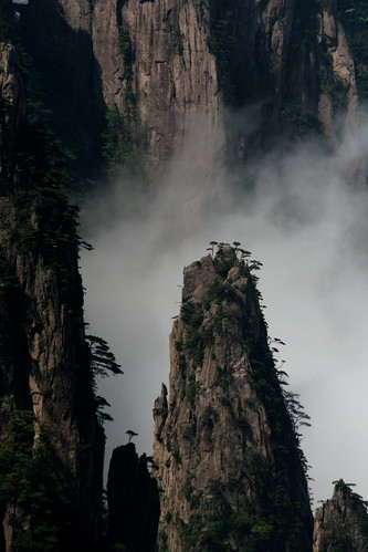 Huangshan (by niklausberger)