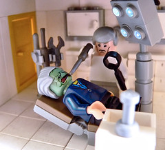 Gotta love going to the dentist. ( - s  ) Tags: lego junior minifig dentist tandarts elites