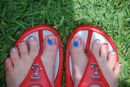 4th July Nail designs with US flag on toenails