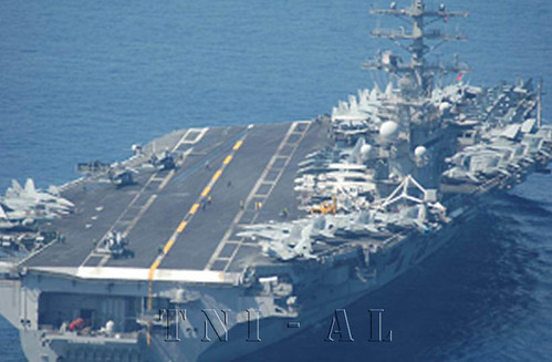 USS Ronald Reagan yg didokumentasikan dari Casa TNI AL U-621