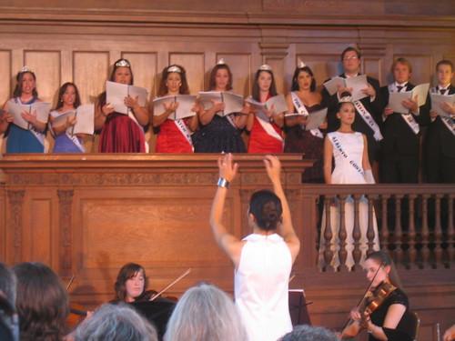 Conductor and chorus