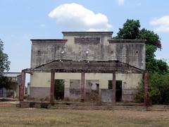 old colonial house (Erik Cleves Kristensen) Tags: africa mozambique tete zambezi zambeziriver