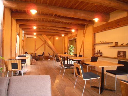 紡績工場跡のオシャレなカフェ『cafe OMO屋』@広陵町