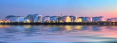 ins Blaue hinein (Peet de Rouw) Tags: panorama holland industry port twilight rotterdam tank vopak peet europoort portofrotterdam petroleumhaven denachtdienst portpicture peetderouw tankstorage