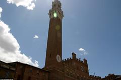 IT07 1760  Torre del Mangia, Palazzo Pubblico, SienaSiena (Templar1307 | Galerie des Bois) Tags: travel italy europe italia sienna eu tuscany siena 2007 palazzopubblico torredelmangia tuscano