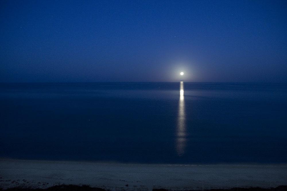 Moonset_8195-v2
