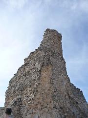 Ruinas (manueiroa) Tags: sky espaa castle de spain ruins pueblo ruinas cielo zafra cuenca zncara villagecastillo
