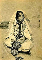 Tangiers Vintage Postcard - A Woman of the Town (2) (ronramstew) Tags: woman vintage costume dress postcard jewellery morocco maroc maghreb 1910s marruecos tangier marokko tanger tangiers tanja