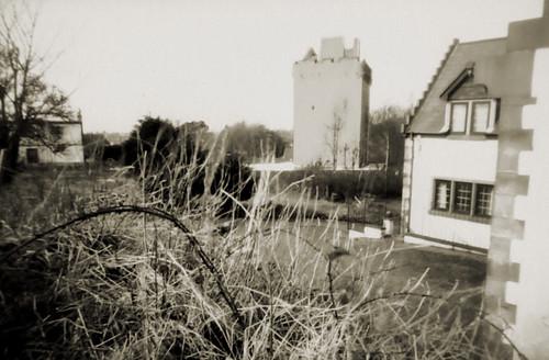 Pinhole ortho lith Law castle 31Mar08