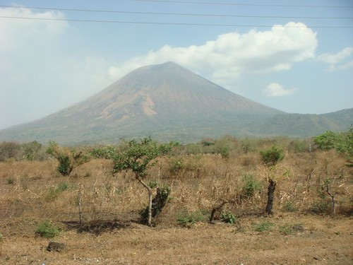 Volcán San Cristóbal (1.745m)...