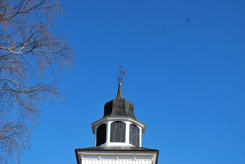 blu sky + church