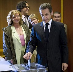 199256PHW04-FRANCE-VOTE-PARIS-SARKOZY-FRANCE-VOTE-PARIS-SARKOZY