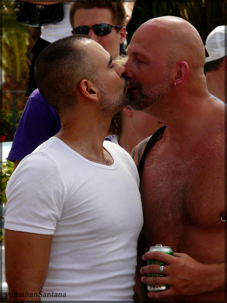 Gay kiss chest