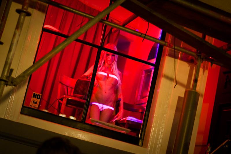 Улицы красных фонарей передача смотреть онлайн эротика 21 фотография