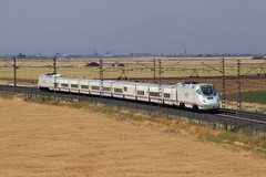 130 en la gineta (serie103) Tags: train tren trenes rail railway trains railroads locomotora acero ferrocarril renfe carril adif ffcc