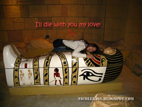 hugging Sarcophagus