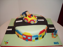 bolo do Noddy (Isabel Casimiro) Tags: amigos cake bar batizado christening playstation bolos aniversrios bodasdeprata belaadormecida bolosartisticos bolosdecorados bolobatman bolocarro bolopirataecupcakes boloavio bolopirata bolosdeaniversrocakedesign bolosparamenina bolosparamenino