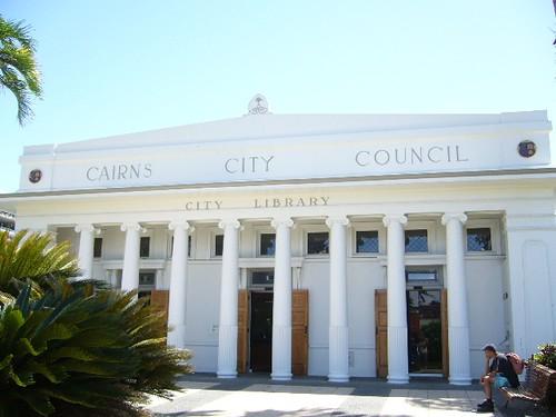 ケアンズ市立図書館1