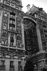 New York City (RayKippig) Tags: nyc newyorkcity apartments broadway upperwestside 171 thedorilton urlaub2007 west71ststreet