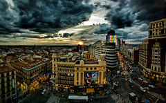 Madrid - HDR (Ender079) Tags: madrid street city sunset sky people espaa sun cinema cars sol clouds buildings atardecer lights luces calle spain edificios neon raw centro sightseeing ciudad center panoramic cielo panoramica paso nubes vistas hdr coches cartel schweppes cines callao granvia cebra 9exp mywinners superaplus aplusphoto peleng8mm35fisheye canoneos450d goldstaraward edificiocarrin 2151050051152