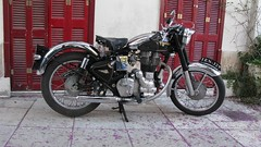 Royal Enfield Bullet 350 (Tilemahos Efthimiadis) Tags: royal 350 100views motorcycle 400views 300views 200views bullet 500views 50views enfield μοτοσυκλέτα dvdphotos12