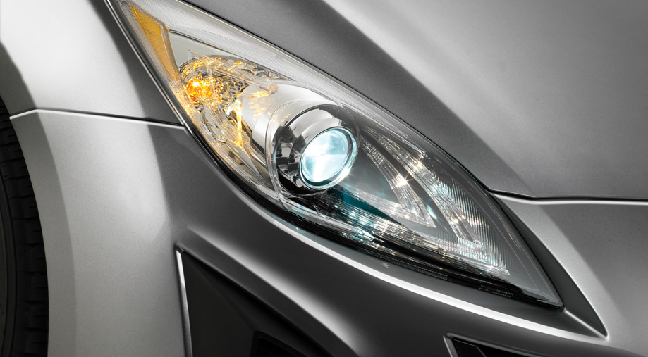 illuminated headlight Mazda 3
