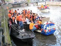 ~IMG_2524 (mathijs213) Tags: 2009 grachten koninginnedag amsterdamse