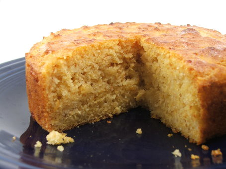 Chipotle Gouda Cornbread Yield 18 muffins or 1 - 9″ round loaf