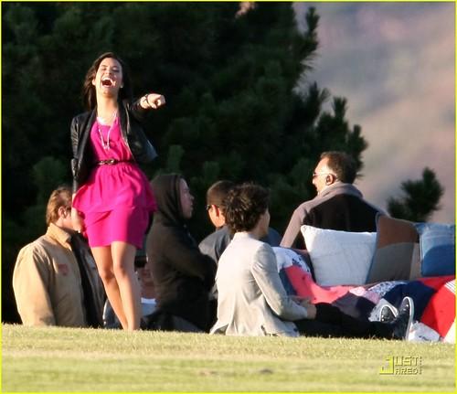Selena Gomez Nick Jonas 2010. selena-gomez-nick-jonas-wiffle