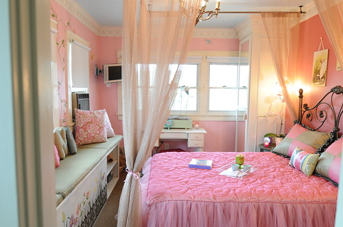 Girls bedroom design by Leslie Genchi