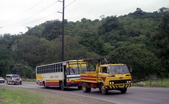 Laguna Trans Hino RF 19230 being towed by a Hino Recovery truck between Pagsanjan, Laguna and Matabungkay, Batangas, Philippines. (express000) Tags: bus truck philippines vehicle hino towtruck towing recoverytruck philippinesbuses hinobus busesinthephilippines hinotruck trucktow lagunatrans