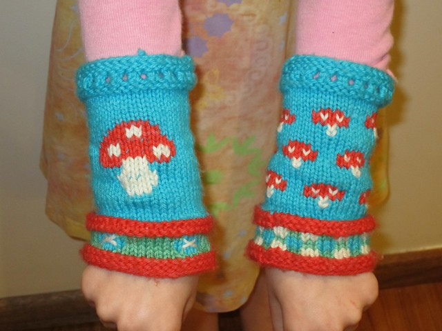 mushie wrist warmers