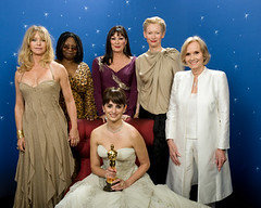 Penelope Cruz with Oscar & Presenters (barrynow2008) Tags: whoopigoldberg oscar actress winners academyawards tildaswinton penelopecruz evamariesaint goldiehawn anjelicahuston bestsupportingactress vickycristinabarcelona actressinasupportingrole