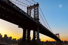 [フリー画像] [人工風景] [建造物/建築物] [橋の風景] [月の風景] [夕日/夕焼け/夕暮れ] [アメリカ風景] [ニューヨーク]    [フリー素材]